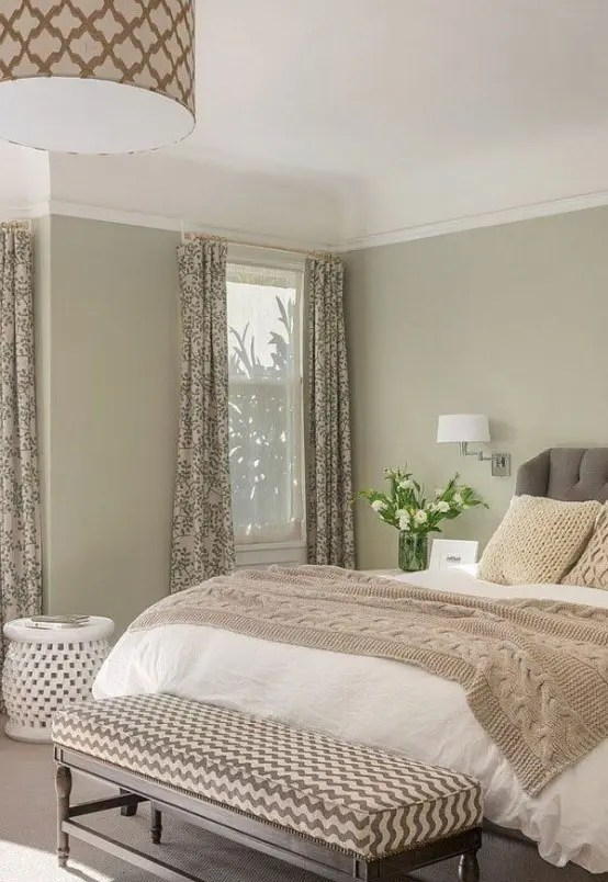There's something about the emptiness or untidiness of an undecorated room that instantly strikes anxiety into the heart of a type a personality. 36 Relaxing Neutral Bedroom Designs - DigsDigs