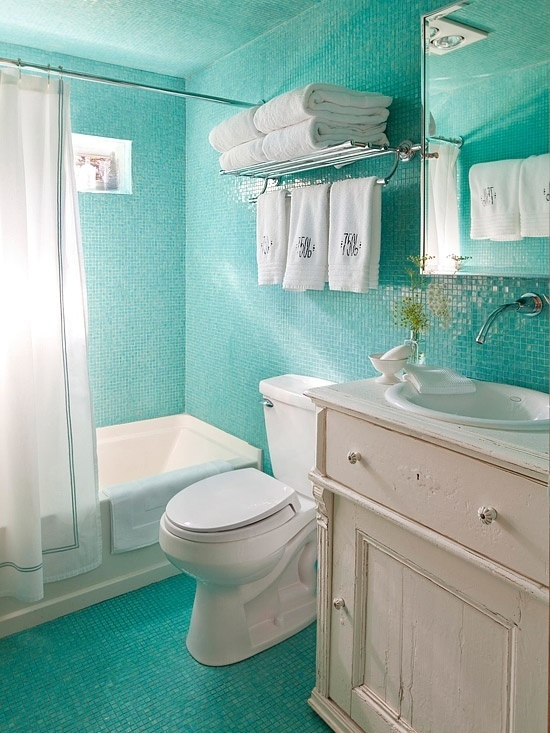 It's likely you and your guests will spend countless hours in this room, discussing and entertaining. 44 Sea-Inspired Bathroom Décor Ideas - DigsDigs