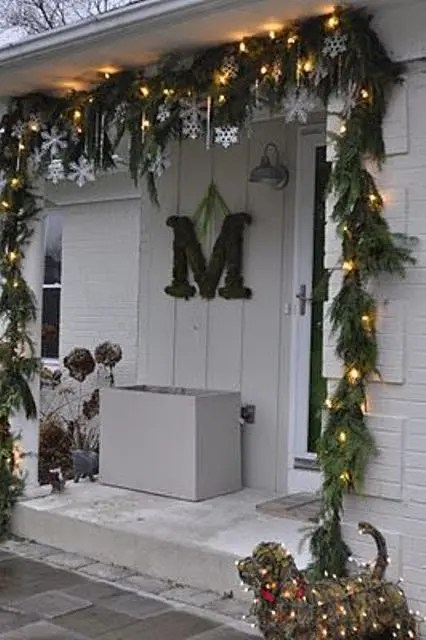 26 Super Cool Outdoor Décor Ideas With Christmas Lights ... on Patio Decorating Ideas With Lights  id=34606