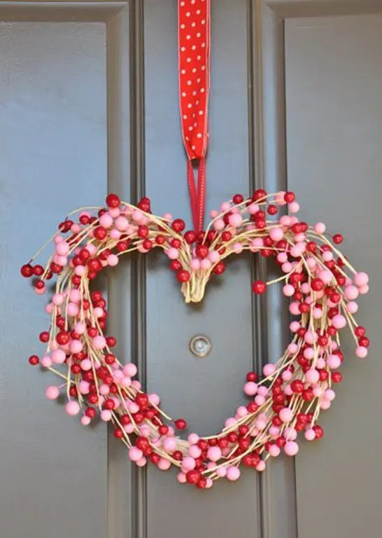 30 Wreath And Garland Ideas For Valentine S Day Digsdigs