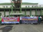 Dirumahkan Sepihak, Puluhan Pekerja RSU Herna Medan Demo