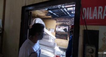 Gudang Penyimpanan Perlengkapan Pesta Terbakar