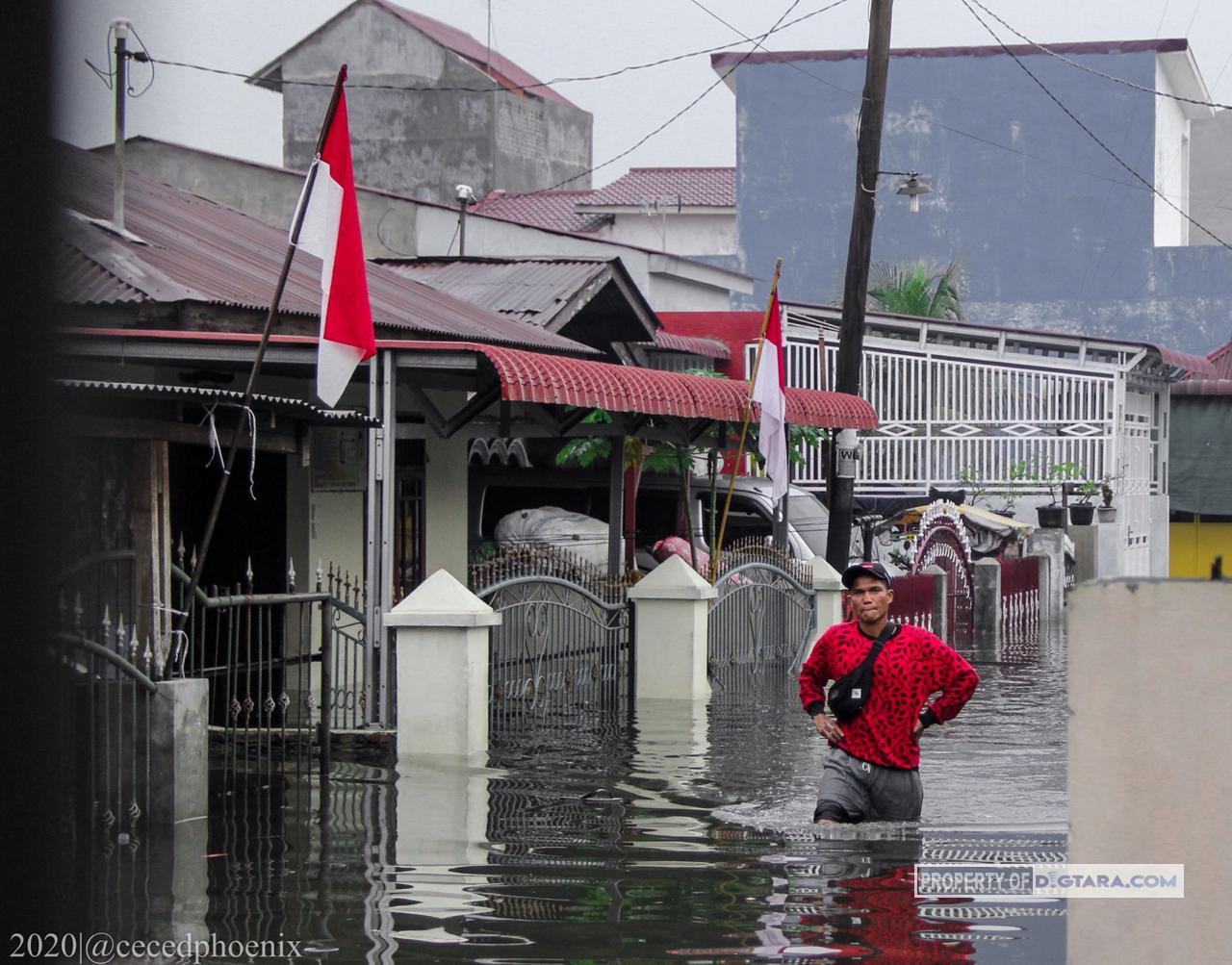 Parit Meluap, Puluhan Rumah di Kawasan Menteng II Terendam Banjir