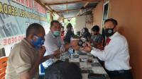 Dirres Narkoba Polda Sumut Bagikan 100 Masker di Warkop WUPDSG-17