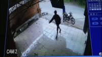 Dua Pemuda Bobol Toko Terekam CCTV, Aksi Buka Gembok Mirip di Film-film