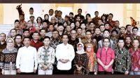 Heboh Foto Jokowi Bareng Abu Janda dan Denny Siregar, Netizen: Buzzer Binaan Pemerintah Itu Nyata
