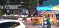 Pasca kunjungan Menteri Pariwisata dan Ekonomi Kreatif RI, Sandiaga Uno ke Kota Medan, Jalan Pemuda menuju Jalan Ahmad Yani ditutup dan arus lalu lintas pun dialihkan, Sabtu (27/3/2021). Sandi dan Bobby Tinjau City Walk, Jalan Kesawan Dialihkan