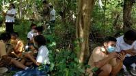 Belum Ada Jaringan Internet, Siswa di Manggarai Ikuti USBD di Atas Bukit