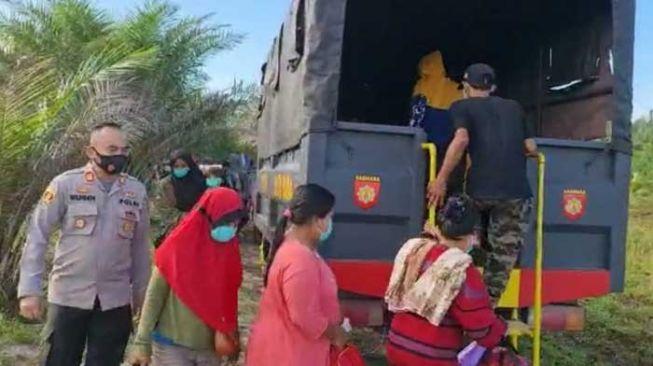 Penyelundupan 31 TKI Ilegal Digagalkan, Tiga Pelaku Diamankan Polisi