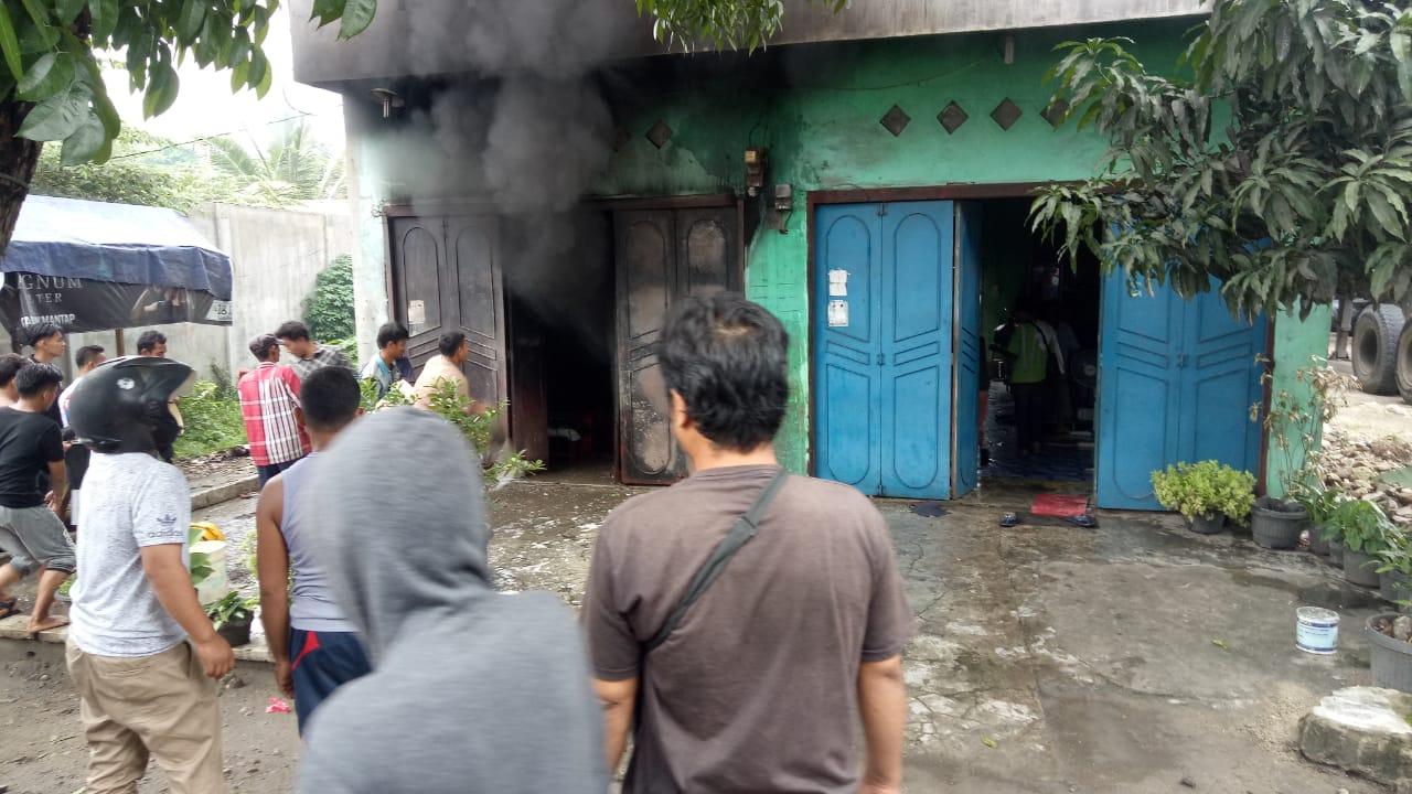 Ledakan Kebakaran Gudang, 3 Petugas Damkar dan 20 Warga Terkena Luka Bakar