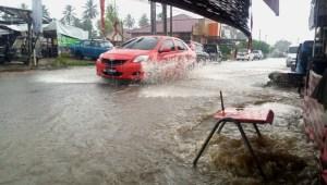 Hujan Satu Jam, Kawasan Tobat Padangsidimpuan Terendam Banjir