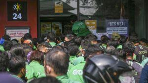 ARMY Indonesia Kumpulkan Donasi Rp 29 Juta untuk Driver Ojol