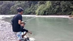 Serunya Mancing Ikan Jurung di Sungai Lau Tebah Langkat