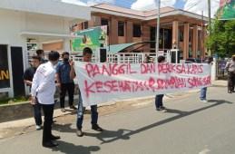 Dugaan Mark Up Dana Covid-19 Dinas Kesehatan, Massa Demo di Kejari Padangsidimpuan