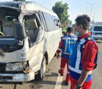 Pecah Ban saat Melaju di Tol Belmera, Dua Penumpang Bus Tewas