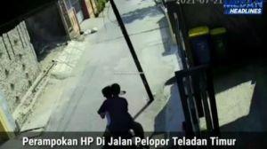 Main HP, Bocah di Medan Jadi Korban Jambret Terekam CCTV