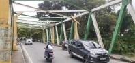 Awas! Tiang Penyangga Jembatan di Jalan Avros Hilang, Diduga Dicuri