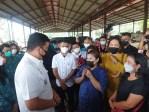 Dijumpai Wali Kota Bobby, Pedagang Minta Vaksinasi Dilakukan di Pusat Pasar