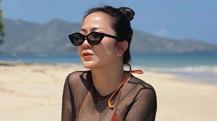 Tante Ernie Unggah Foto Pakai Baju Tembus Pandang, Netizen Resah