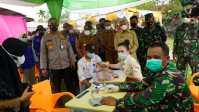 1.030 Vaksin Akabri 90 Disuntikkan Polres Asahan kepada Lansia dan Pelajar