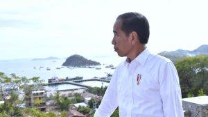 Presiden Jokowi dan ibu negara Iriana ke Labuan Bajo