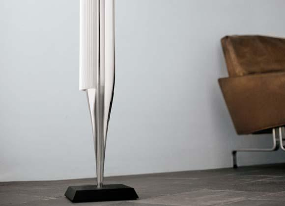 BeoLab18 colonne Bang Olufsen blanc