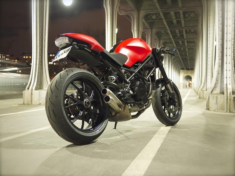 Neo Retro Mostro : la moto par diisign