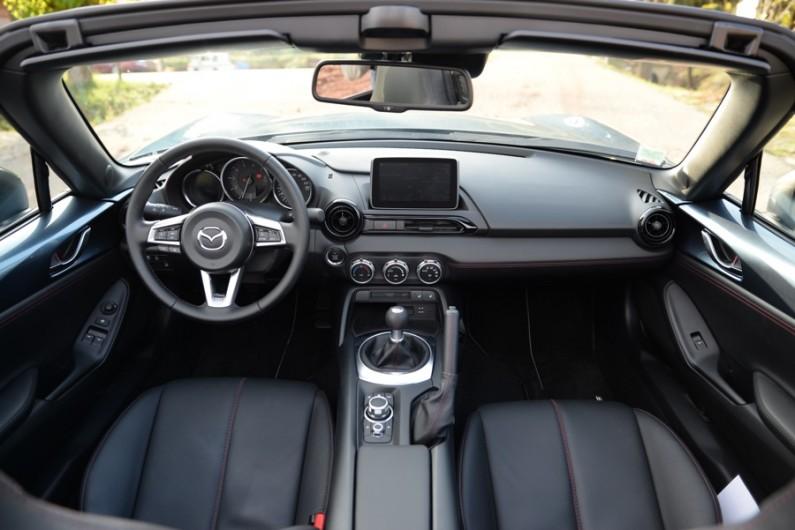 Mazda-MX5-2015-01
