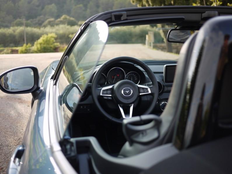 Mazda-MX5-2015-09