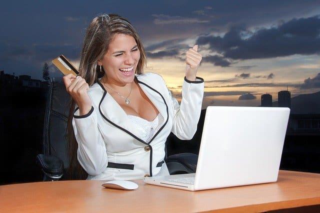 marketing in Kenya - she is marketing online