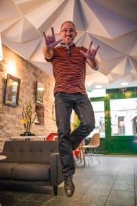© Clément Bonvalot Stéphane Hanquet vous souhaite la bienvenue au Semeia bar.
