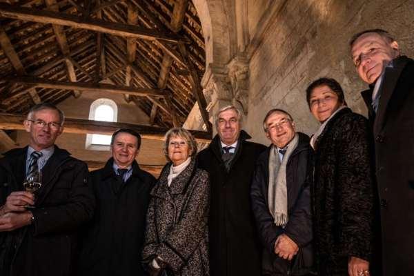 (de gauche à groite) Jean-Claude Monnier (maire de Meursault), Denis Thomas, Catherine Hervet, François Sauvadet, Guy Bédel (délégué régional de la fondation du patrimoine), et Jean-Pierre Rebourgeon.