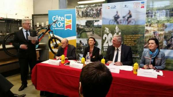 conference presse tour de france montbard