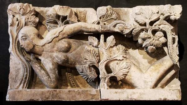"""Bas-relief """"la tentation d'Eve"""" - Cathédrale d'Autun (Musée Rollin)"""