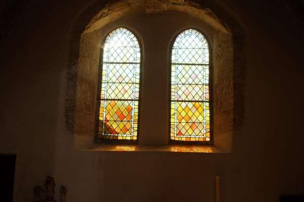 eglise-trocheres-vitraux