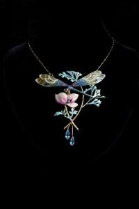 Ce pendentif Art nouveau signé Henri Dubret a trouvé preneur à hauteur de 66 000 euros.