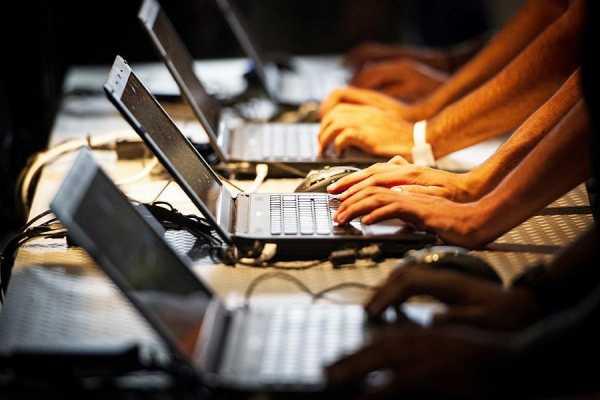 Έρχεται νέος φόρος σε υπολογιστές και Tablet