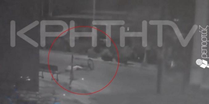 Η συγκλονιστική στιγμή που ο ασυνείδητος οδηγός παρασύρει ποδηλάτισσα (βίντεο)