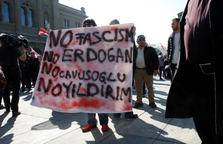 Анкара вызвала посла Швейцарии ипотребовала «наказать» организаторов протестов против Эрдогана