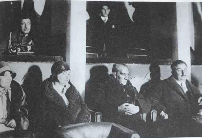 Atatürk ne zaman 'Hayatımda hiç bu kadar gülmedim' dedi? 14