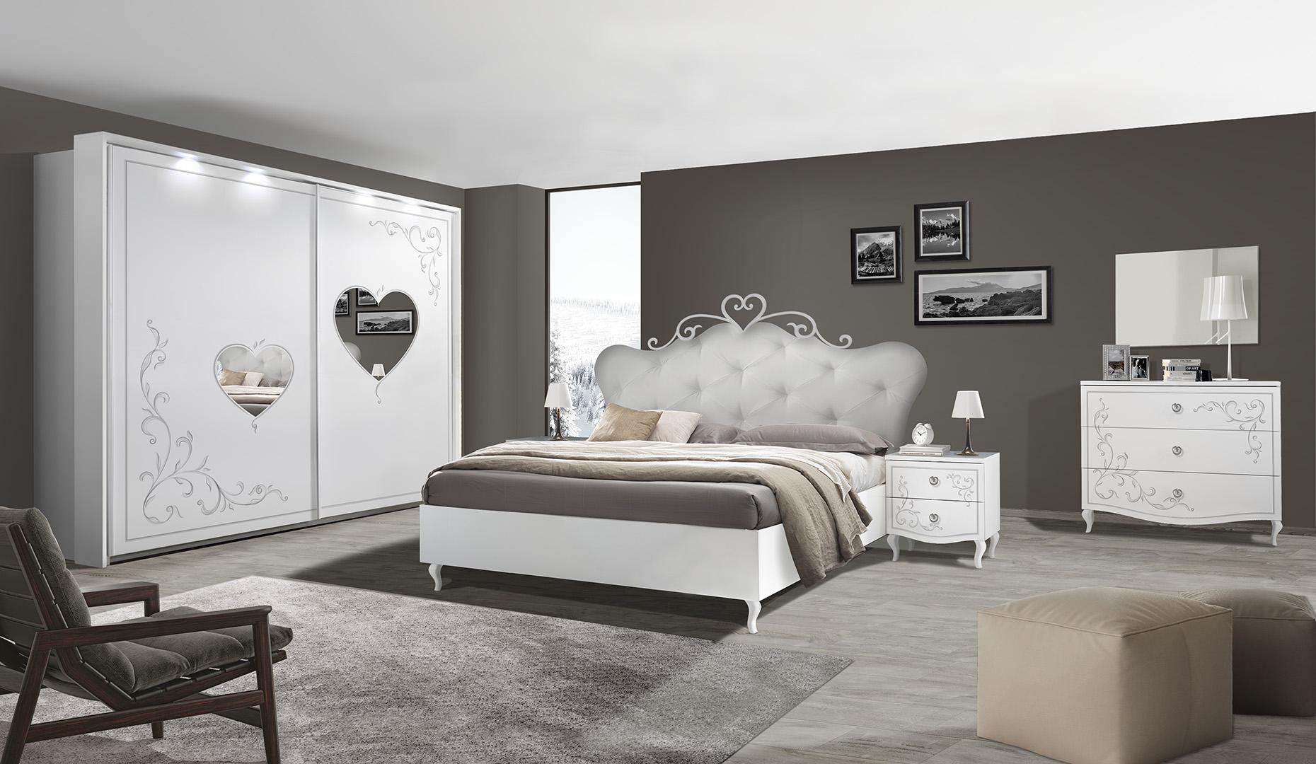 Mobili per il soggiorno, camere da letto, camerette, cucine, divani, tavoli e tanto altro. Camera Da Letto Love Arredamenti Di Lorenzo Napoli