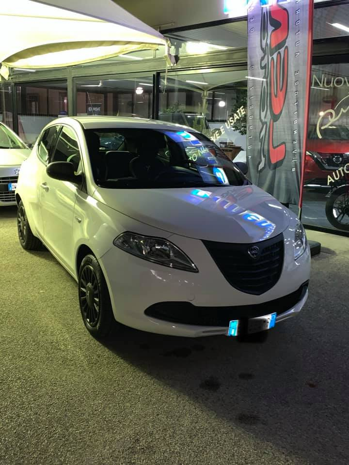 Lancia y 1.3 mtj 2014 full optional