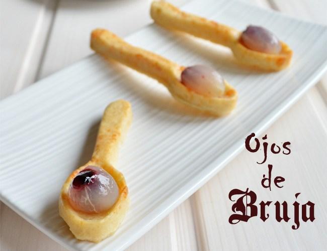 Ojos de Bruja en cuchara crujiente de parmesano
