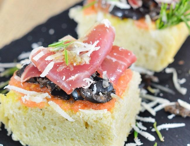 Pan de Focaccia relleno de jamon iberico de bellota