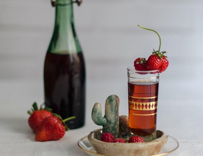 Cómo hacer Licor de fresas con aguardiente