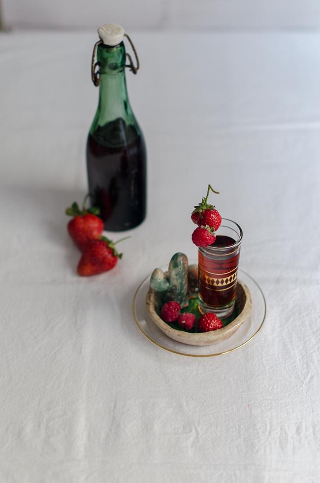 Licor de fresas con aguardiente