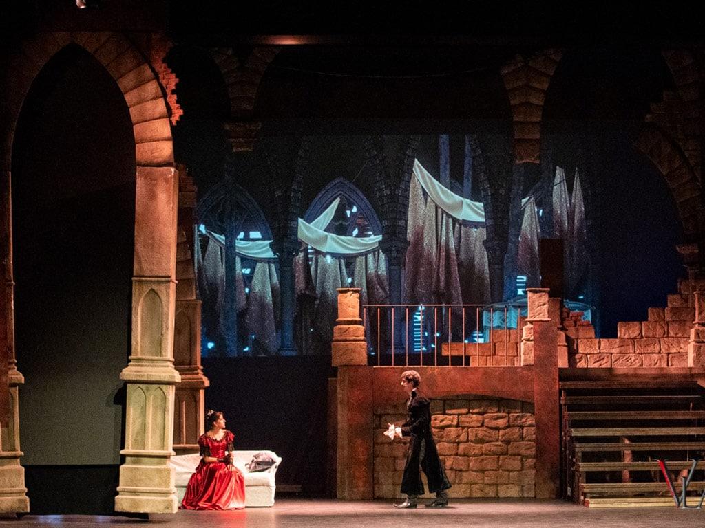 escenografía de Vlad el musical