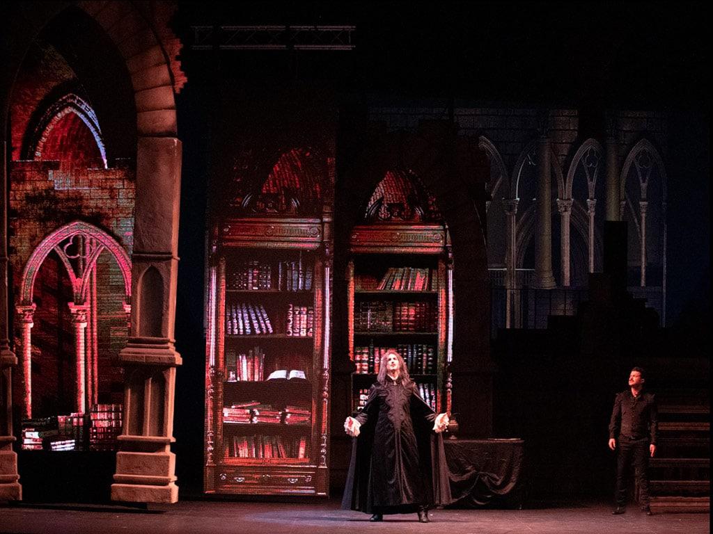 escenografía de Vlad el musical biblioteca 2