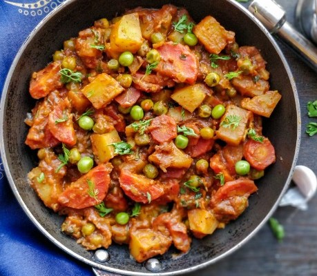 Aloo Gajar Matar Sabzi ki Recipe, Punjabi Style Gajar Aloo Matar