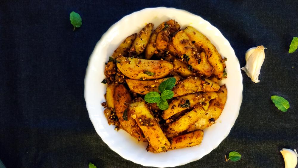 Spicy Tangy Garlic Potato, Lehsun wale aloo ki sabzi,